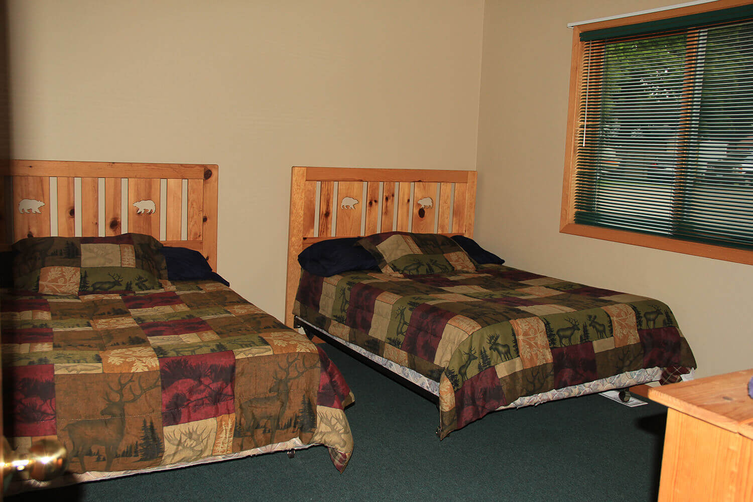 Cabin 3 is a comfortable Mille Lacs Lake lodging option