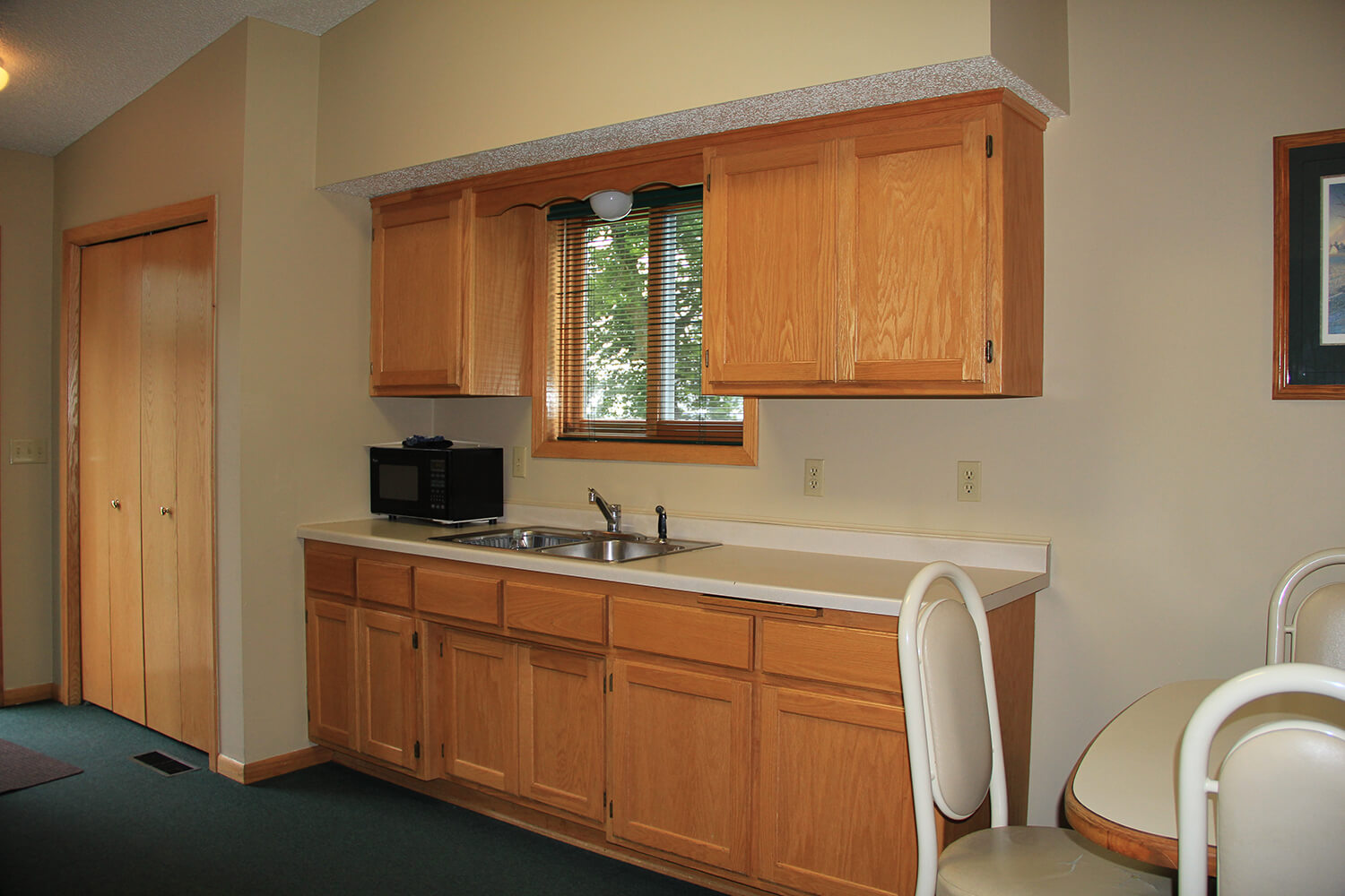 Cabin 4 Kitchenette on Lake Mille Lacs