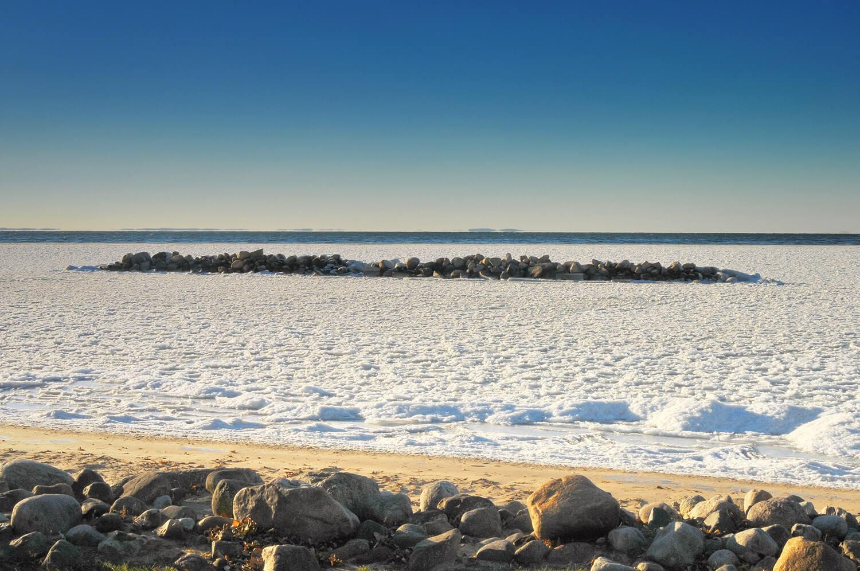 winter breakwall